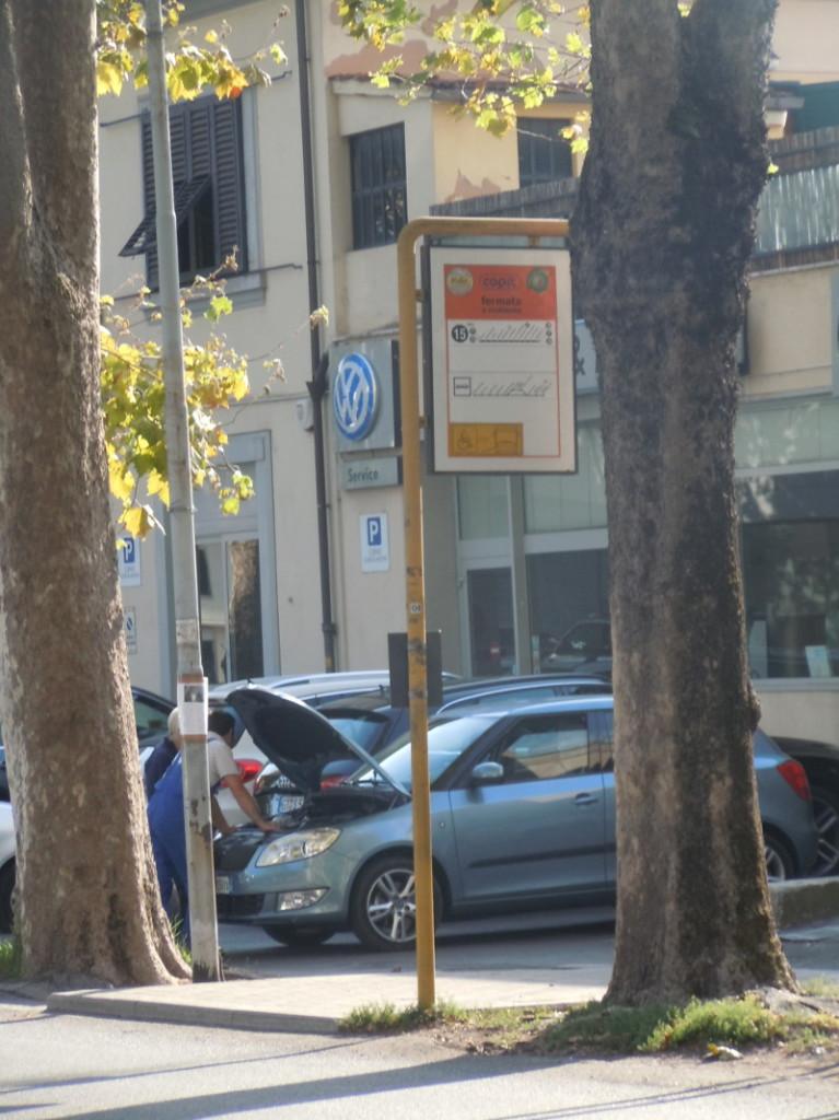 Jeden z przystankow autobusowych w Pistoi
