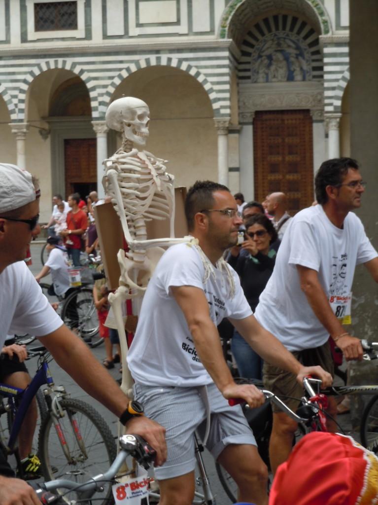 rower_ze_szkieletem_pistoia_moja_toskania