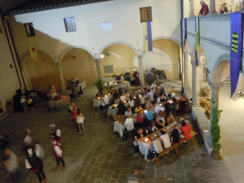 sredniowieczna_kolacja_moja_toskania_badia_a_pacciana