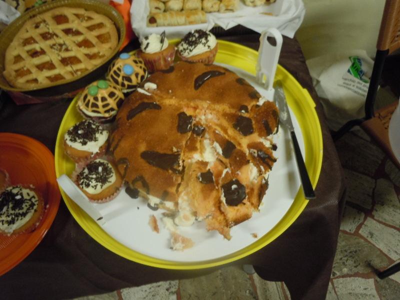 Pyszna mega bomba kaloryczna: biszkopt nasaczony alkoholem (!) z kremem, polany czekolada