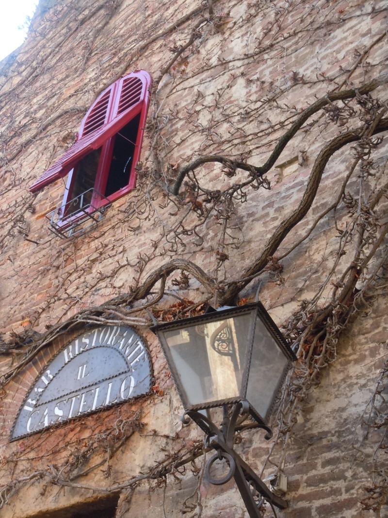 fragment_budynku_certaldo_moja_toskania