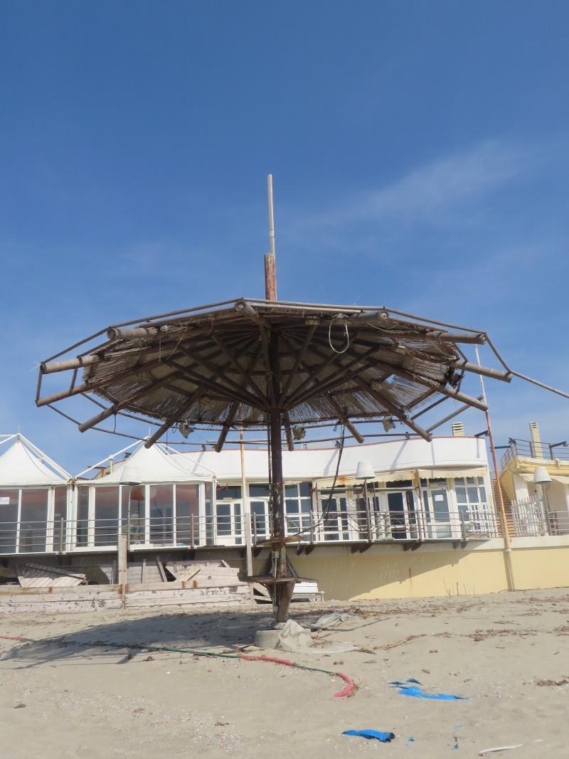 parasol_na_plazy_moja_toskania