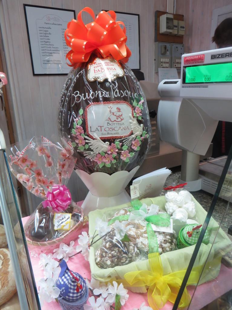 Wczoraj podpatrzone w sklepie...ale czekoladowe jajo!