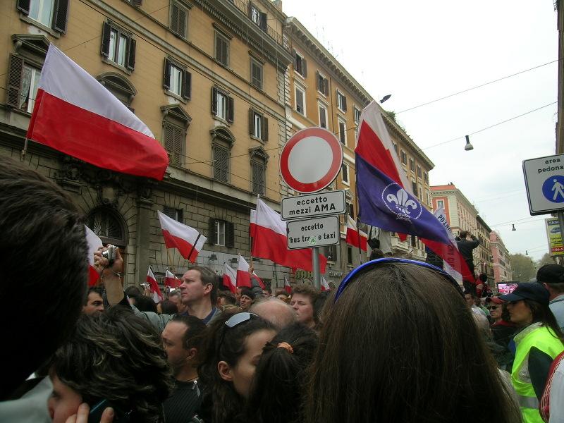 polscy_pielgrzymi_pogrzeb_jana_pawla_II_moja_toskania