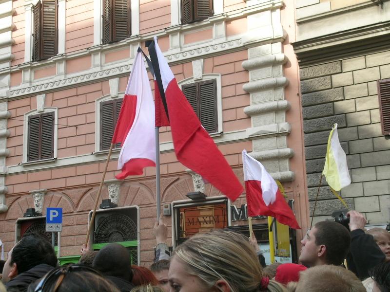 polska_flaga_moja_toskania_pogrzeb_jana_pawla_II