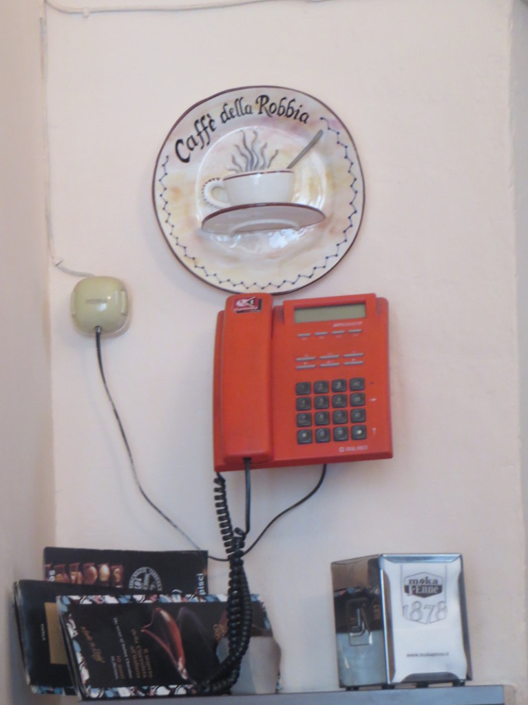 telefon_bar_della_robbia_pistoia_moja_toskania