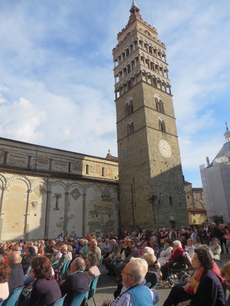 piazza_duomo_pistoia_moja_toskania
