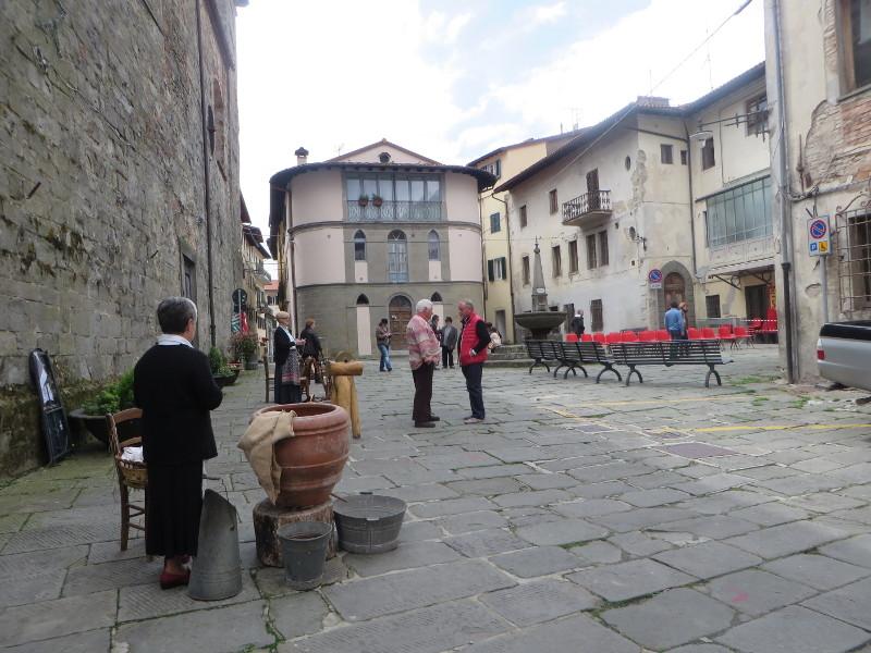 san_marcello_pistoiese_plac_przed_kosciolem_moja_toskania
