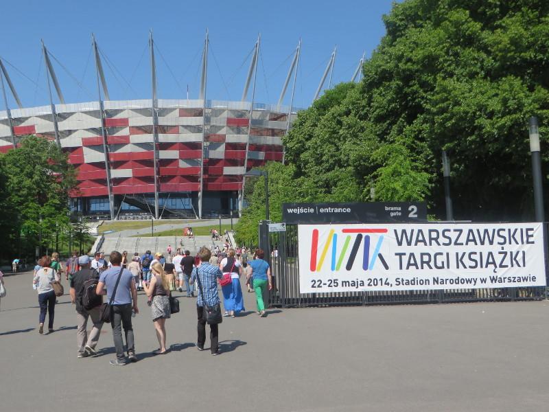 Wejscie na Targi Ksiazki w Warszawie