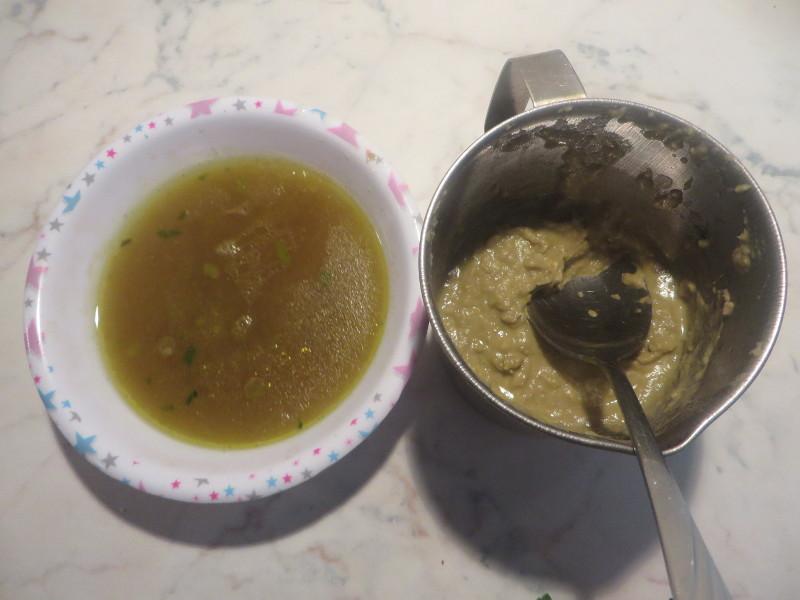 Po lewej:woda pozostala po gotowaniu warzyw i soczewicy