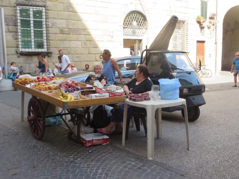 stoisko_z_owocami_moja_toskania