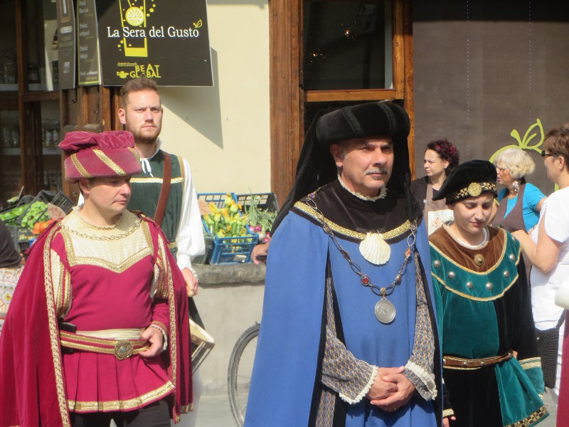 pan_w_wasach_parada_historyczna_moja_Toskania