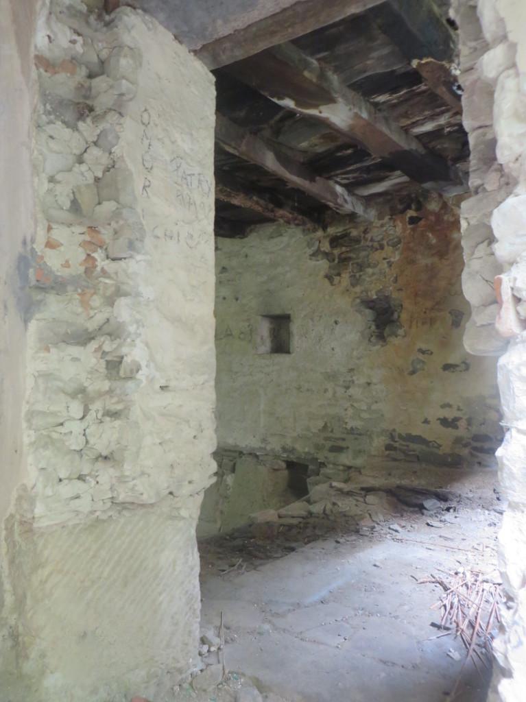 srodek_opuszczonego_domu_moja_toskania