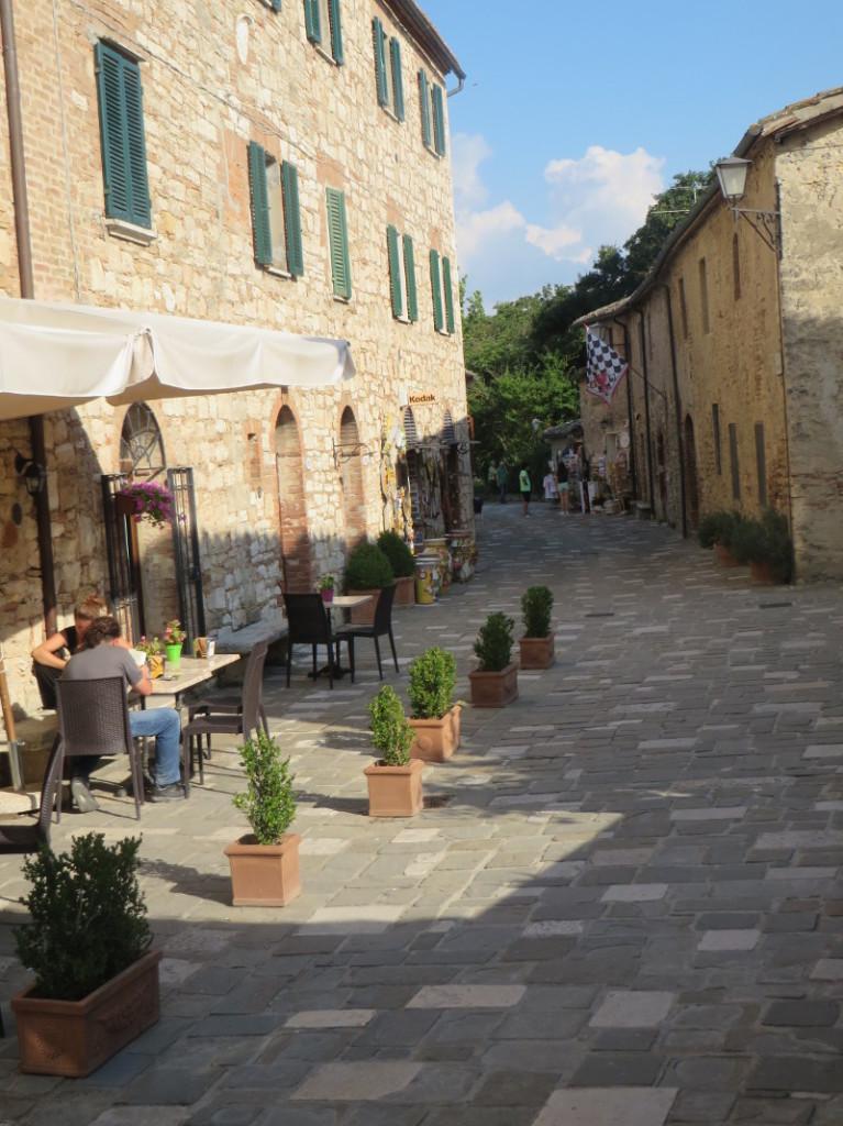 uliczka_bagno_vignoni_moja_Toskania