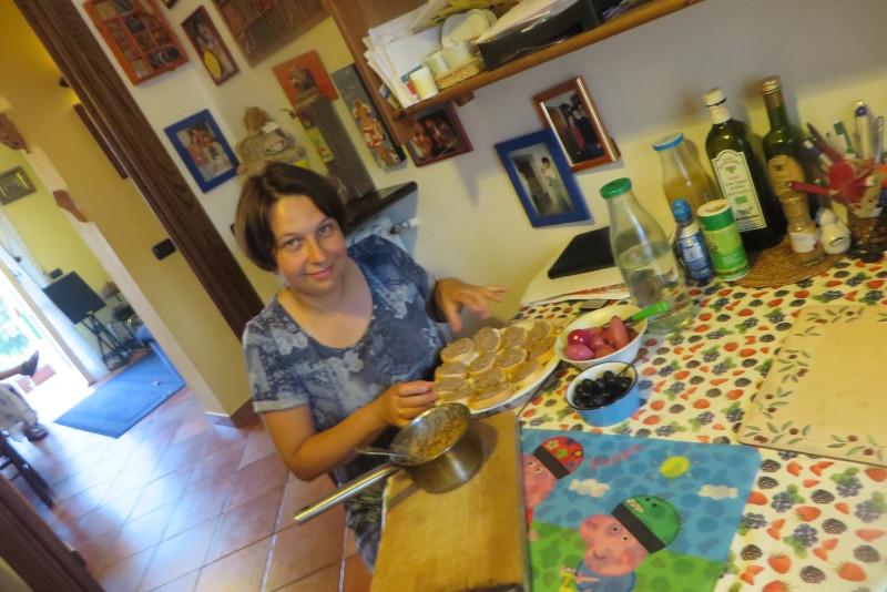 Przygotowywanie crotini toskanskich