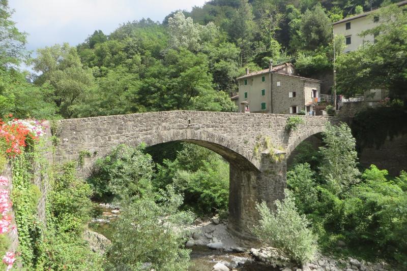 biagioni_most_z_drugiej_strony_moja_toskania