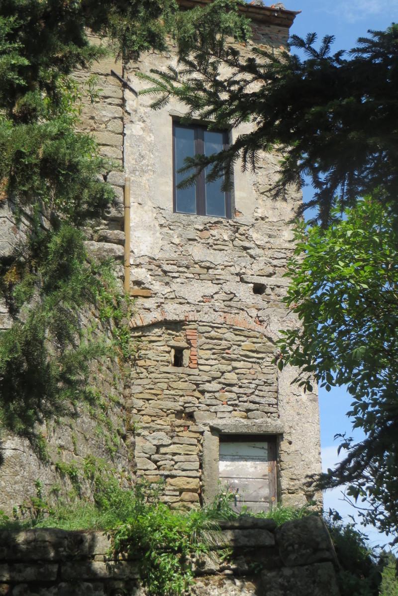 budynek_miedzy_drzewami_moja_toskania