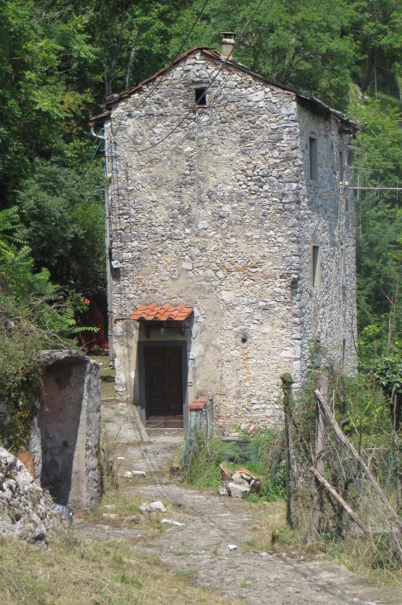 cienki_dom_toskanski_lucchio_moja_toskania