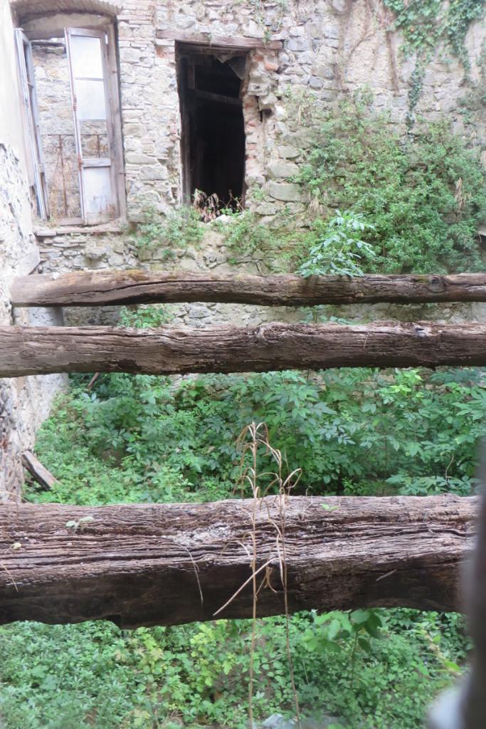 dom_bez_podlogi_moja_toskania_vico_pancellorum