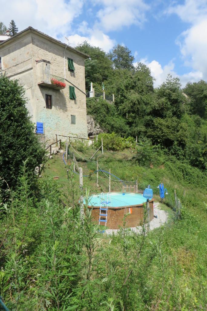 Dom z basenem :)