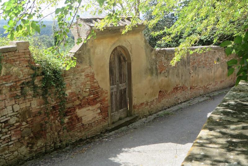 droga_drzwi_villa_saletta_moja_Toskania