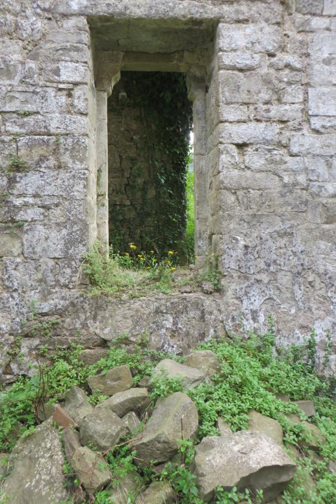 drzwi_boczne_w_kosciele_moja_toskania