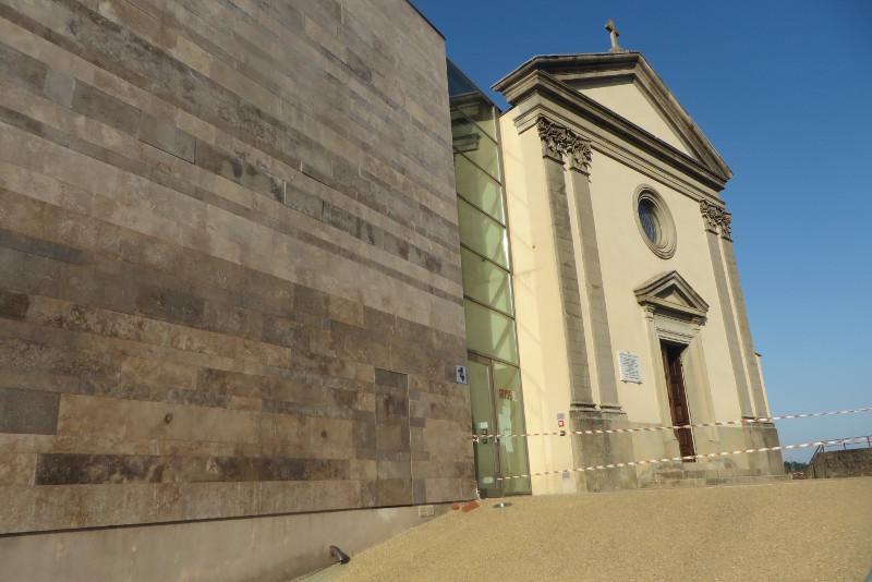Budynek po lewej, obecnie muzeum, calkowicie zmienil swoj wyglad