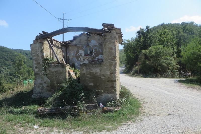 kosciol_ruina_przy_drodze_moja_toskania_bivignano