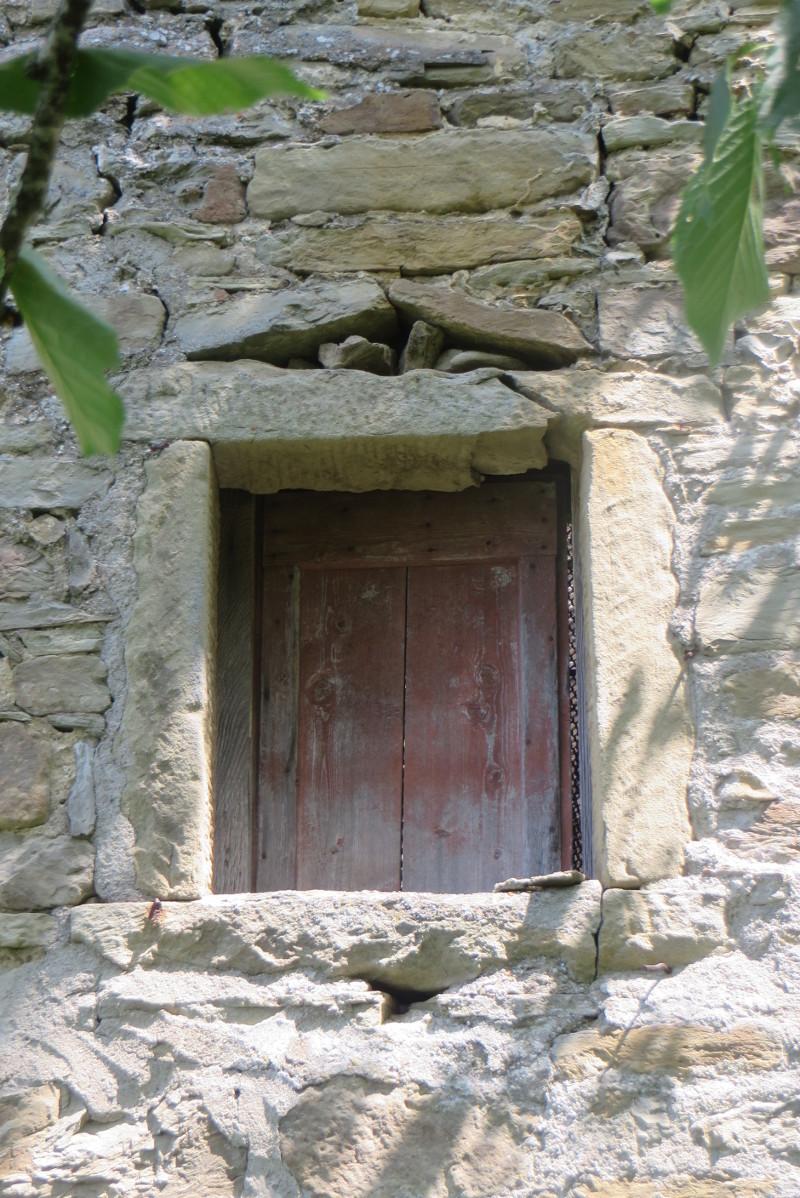 male_okno_bivignano_moja_toskania