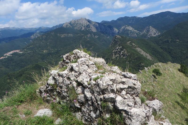 mur_zamek_lucchio_moja_toskania