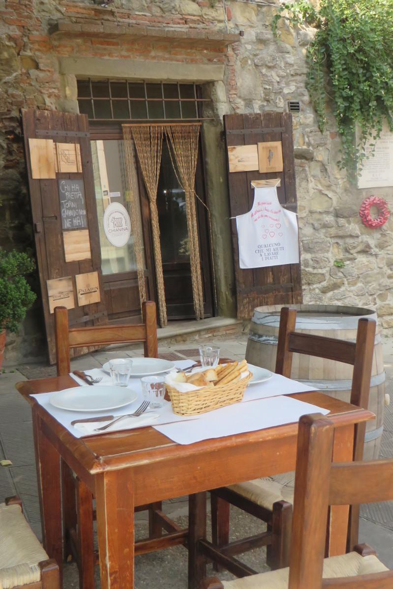 nakryty_stol_restauracja_monterchi_moja_toskania