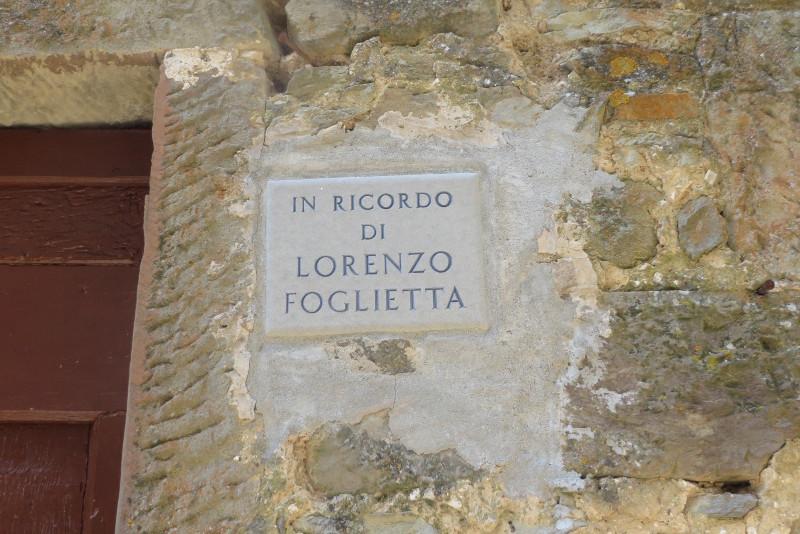 napis_ku_pamieci_lorenzo_foglietta_bivignano_moja_toskania