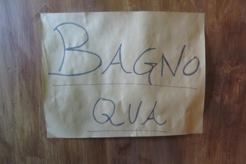 napis_lazienka_tam_lucchio_bar_moja_toskania