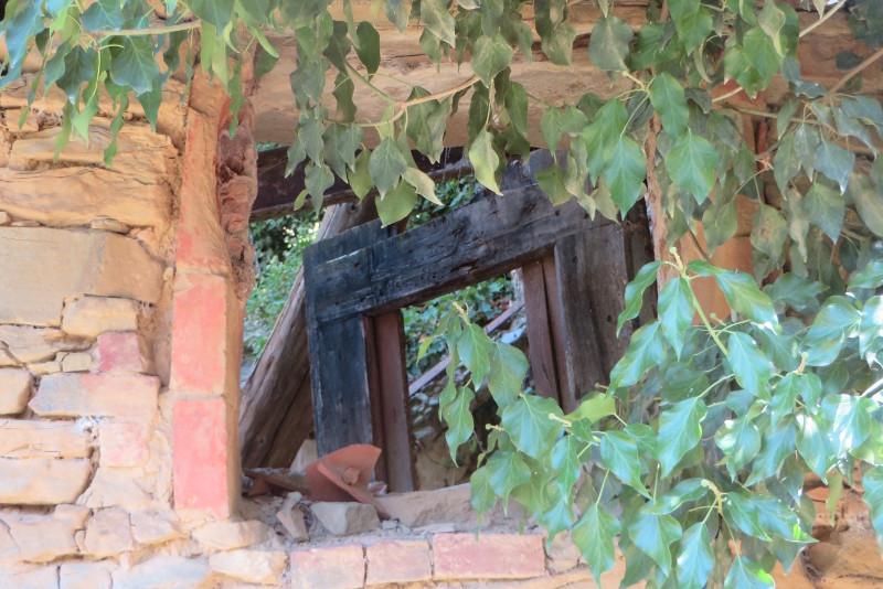 okno_domu_calbi_moja_Toskania