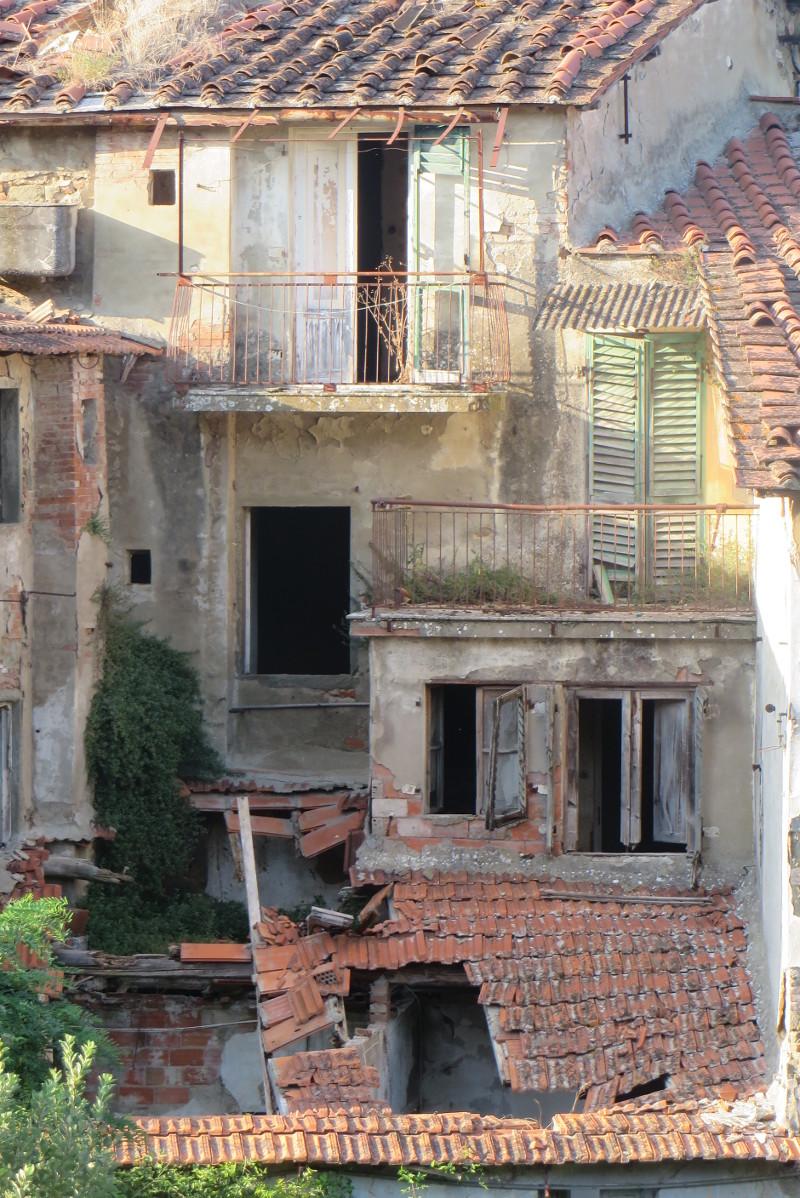 opuszczone_domy_w_pionie_moja_toskania_castelnuovo dei sabbioni