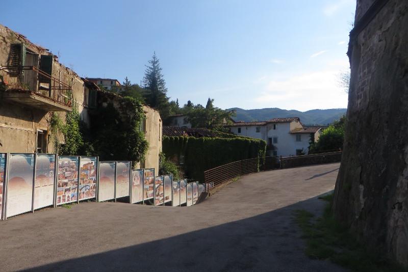 opuszczone_domy_w_sloncu_moja_Toskania_castelnuovo_dei_sabbioni