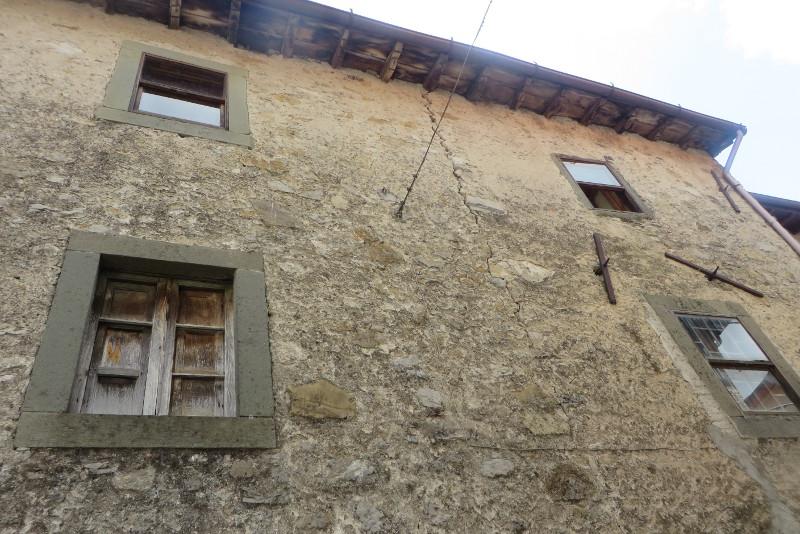 W Vico tez znajduja sie opuszczone domy lub domy na sprzedaz