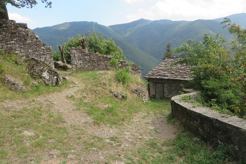 opuszczony_domek_i_ruiny_sambuca_castello_moja_toskania