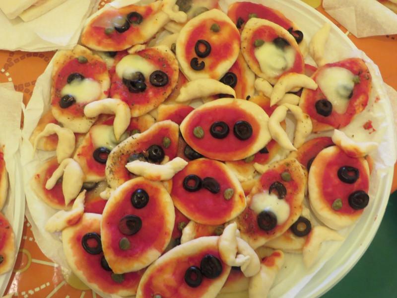 pizze_ryby_z_czarnymi_oliwkami_moja_toskania