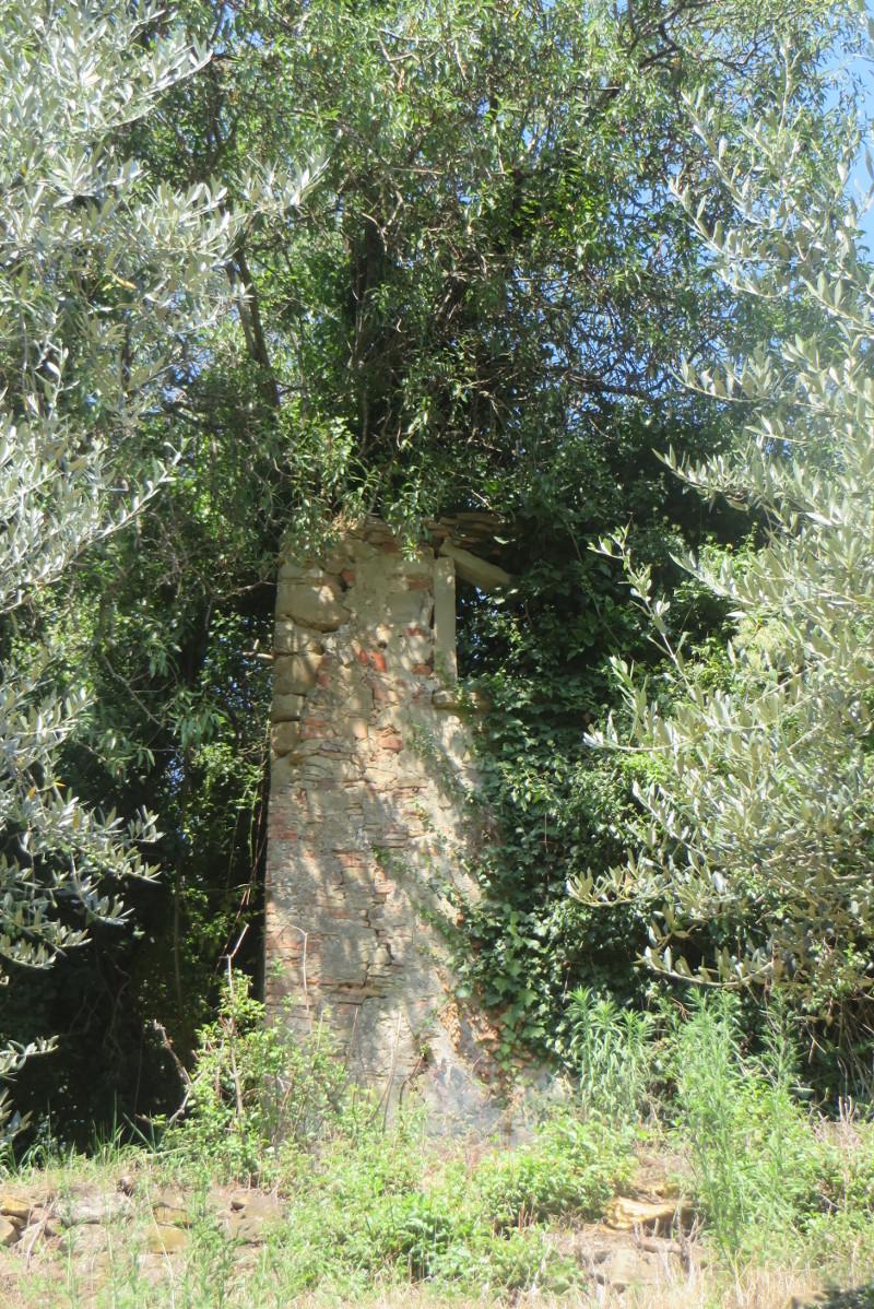 ruina_od_dolu_calbi_moja_toskania