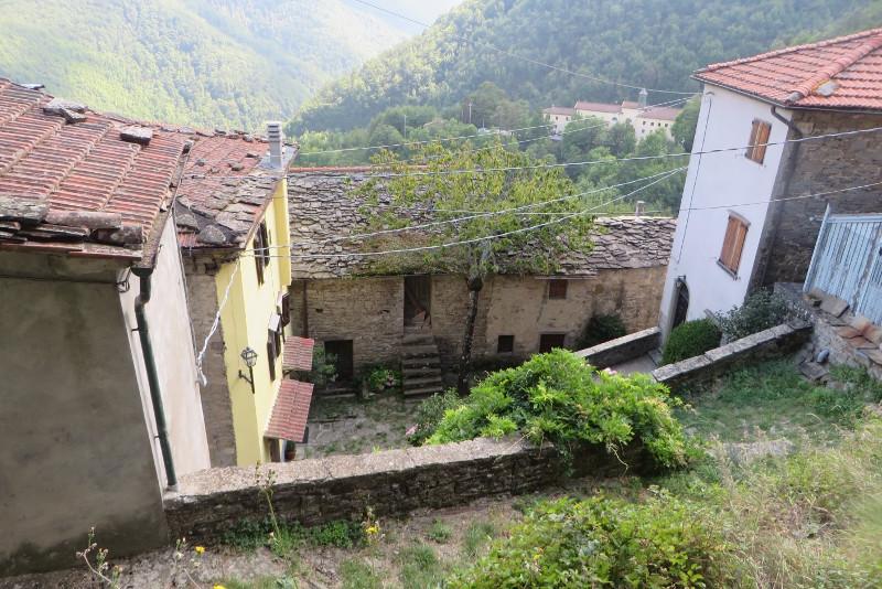sambuca_castello_budynki_moja_toskania
