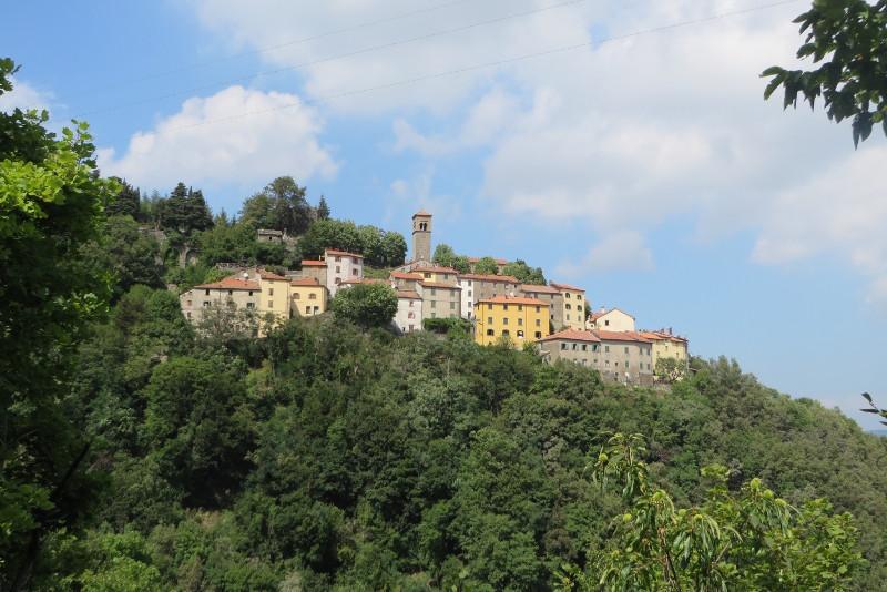 sambuca_castello_z_daleka_moja_Toskania