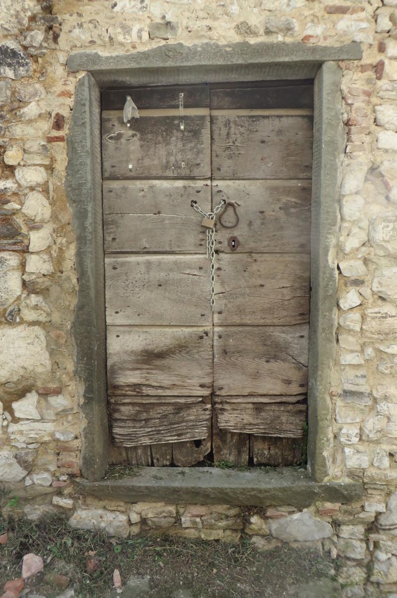 stare_drzwi_lucchio_moja_toskania