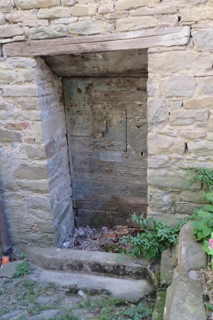 stare_drzwi_moja_toskania_sambuca_castello