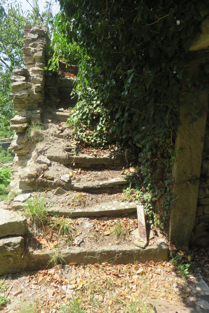 zniszczone_schody_moja_toskania_bivignano