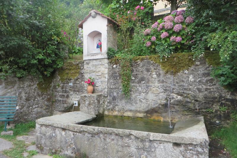 zrodlo_wody_lagacci_moja_Toskania
