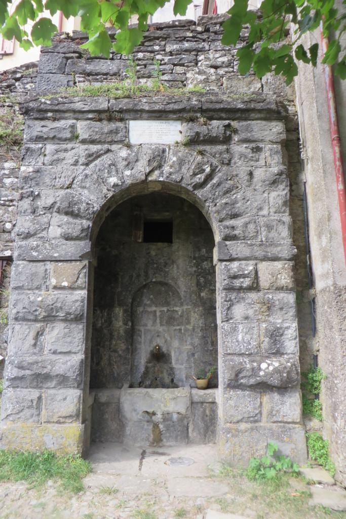 zrodlo_wody_sambuca_castello_moja_toskania