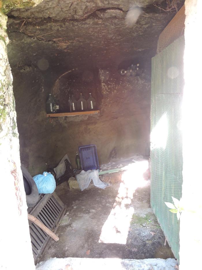 butelki_w_pomieszczeniu_vitozza_moja_toskania