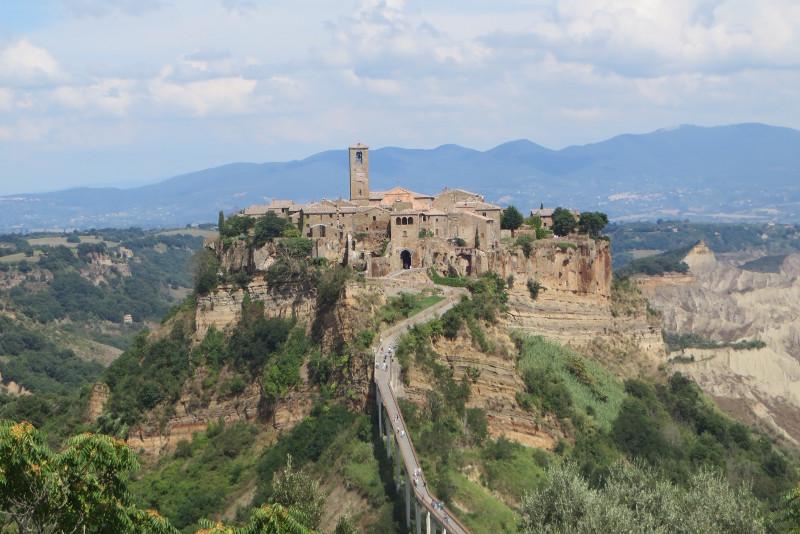 civita_di_bagnoreggio_moja_toskania_panorama