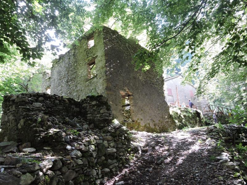dom_ruina_col_di_favilla_moja_toskania_miasto_widmo